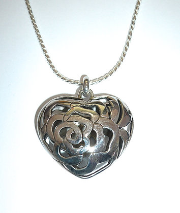 Filigree heart and chain