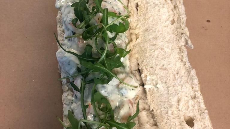 Broodje gamba salade