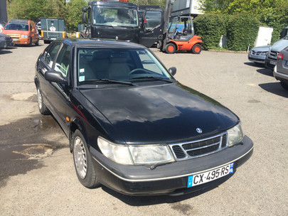 SAAB 900  9.3 noire essence face-profil