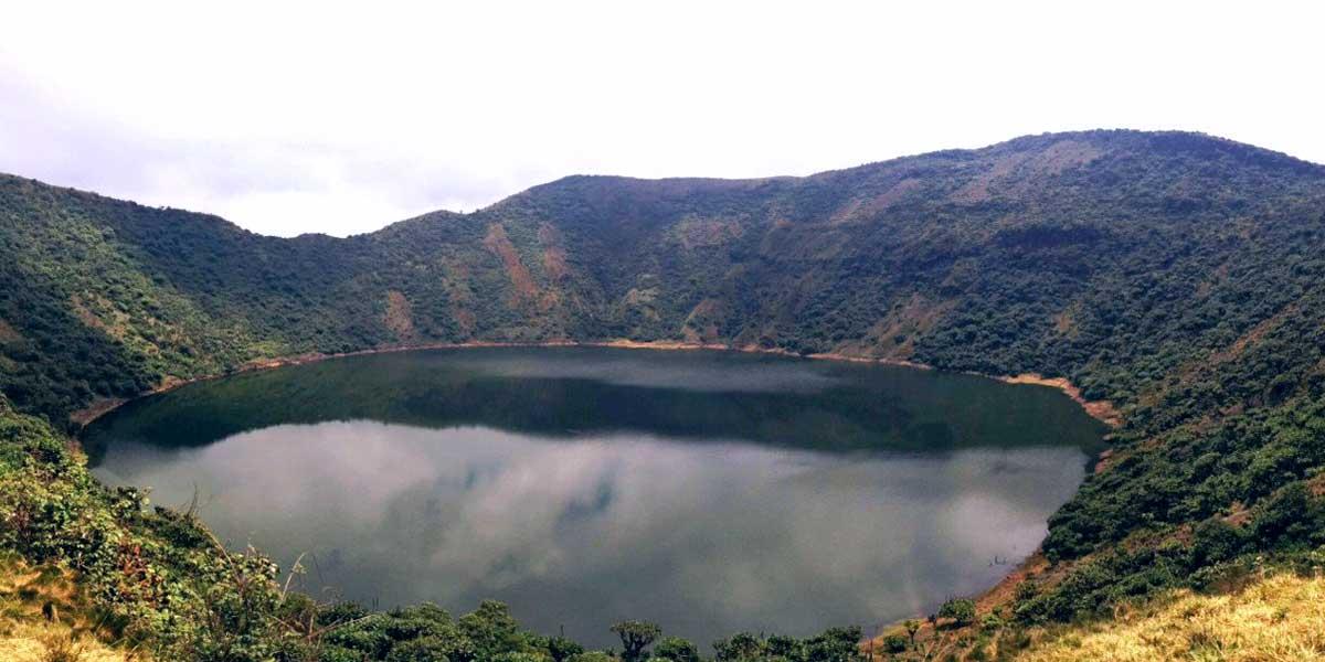 Bisoke crater lake