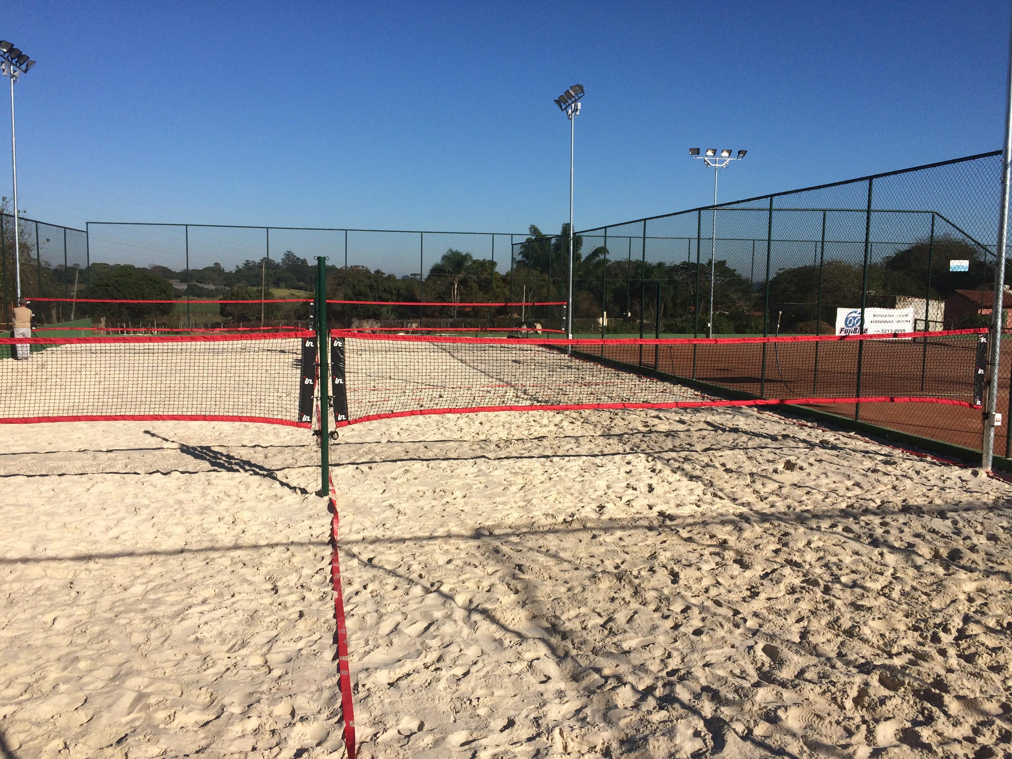 4 Quadras de areia branquinha
