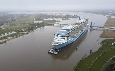 海洋奧德賽號 Odyssey Of The Seas 離開造船廠的壯觀運送航程