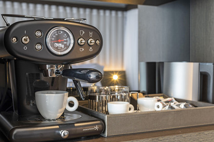 Scenic-Eclipse-Suites-Illy-Coffee-Machin