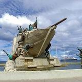 安庫德雙桅縱帆船船員紀念碑.jpg