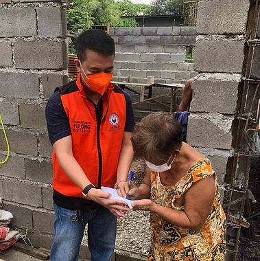 Davao City fire victims get cash, rice aid from First Congressional District Office