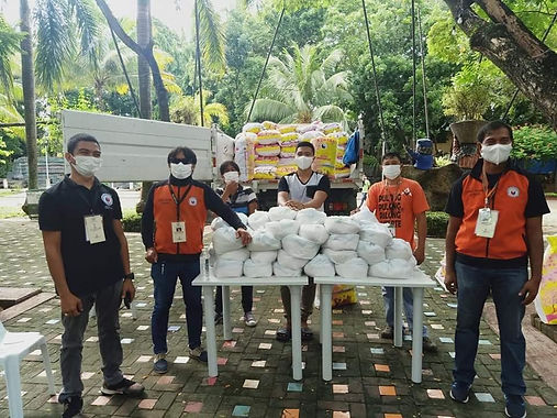 Solo Parents, trike drivers receive aid in Davao City