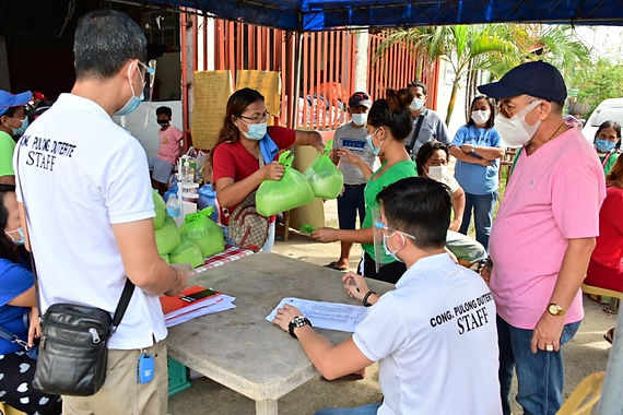Pulong gives aid to fire victims of 2nd District