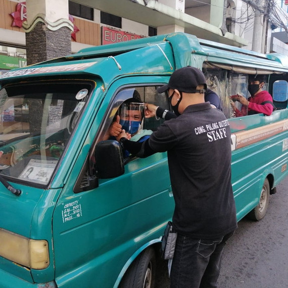 Faceshield distribution to PUJ drivers.