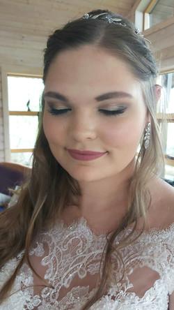 bridal makeup artist iceland