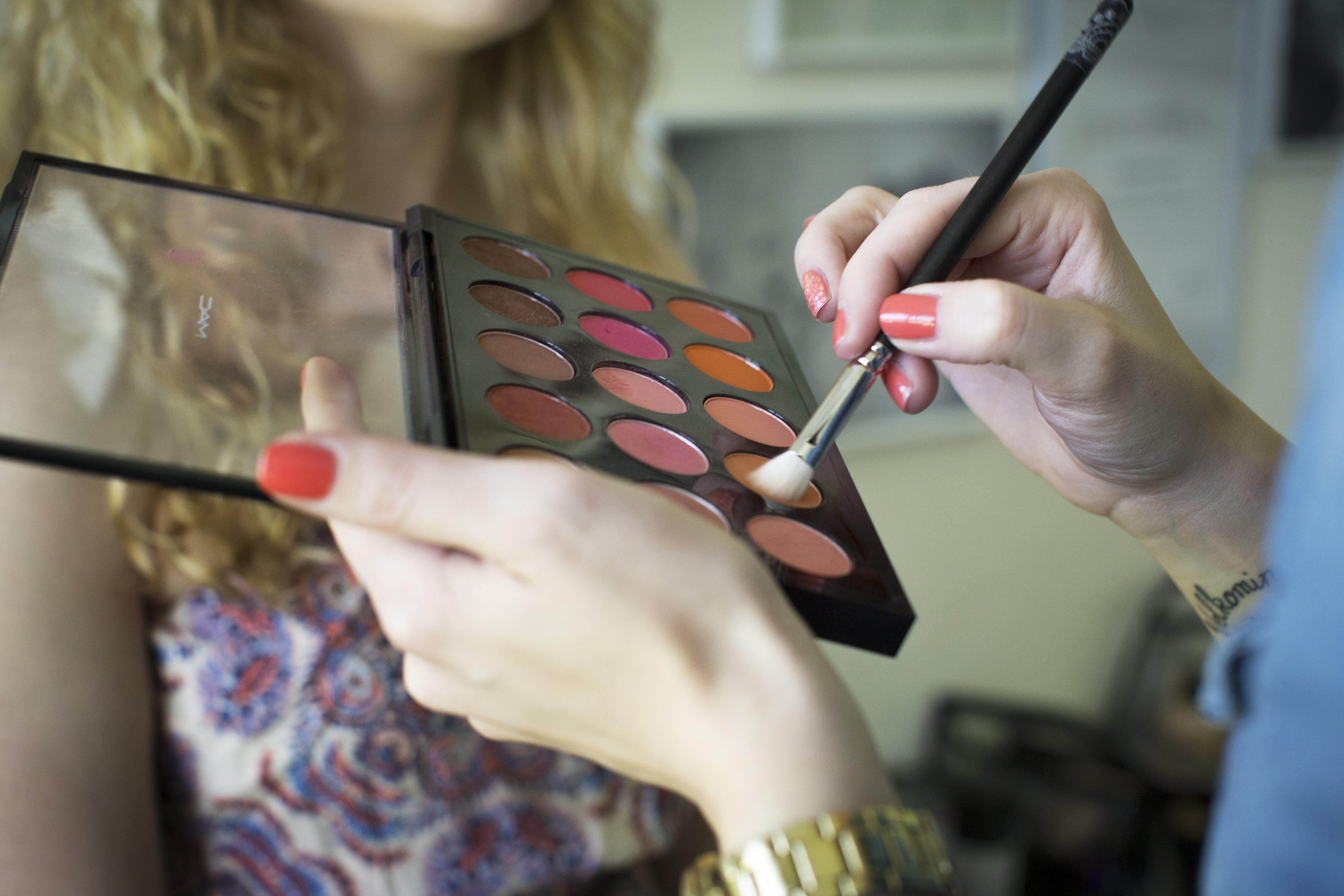 makeup artist Sabrina Iceland