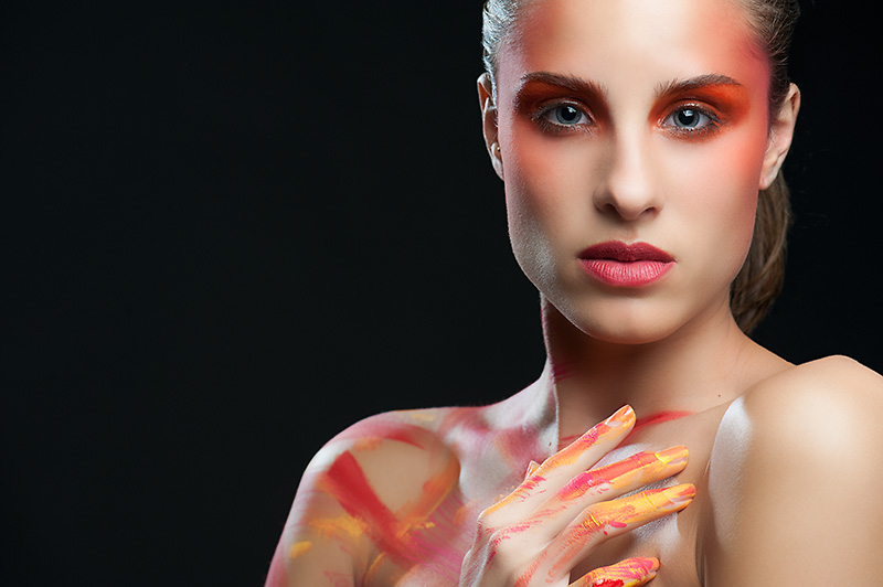 bodypainting orange red