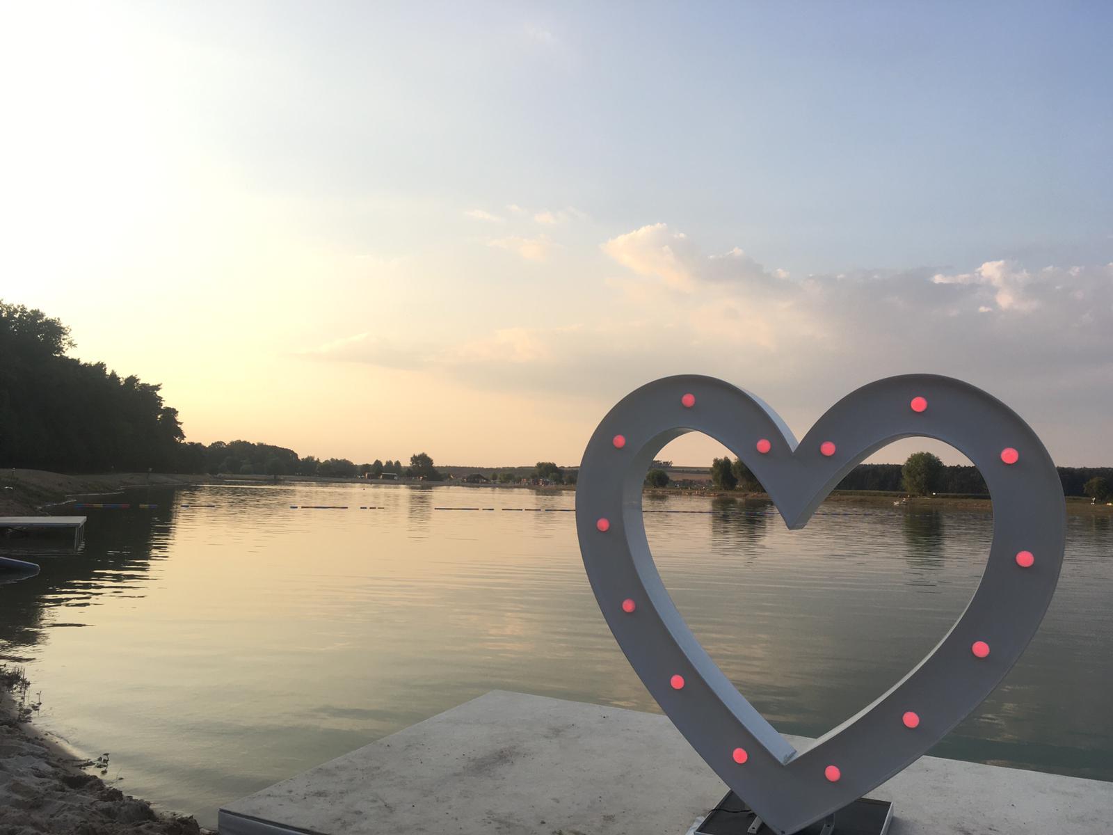 Velké svítící srdce