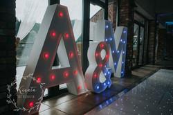 Giant Leuchtbuchstaben