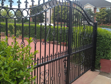 No1 Blacksmiths - Wrought Iron Gates & Automatic Gates - Glasgow, Scotland