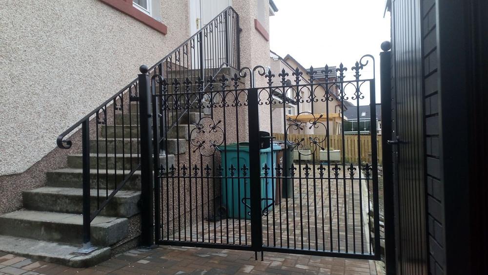 metal automatic driveway gates glasgow scotland