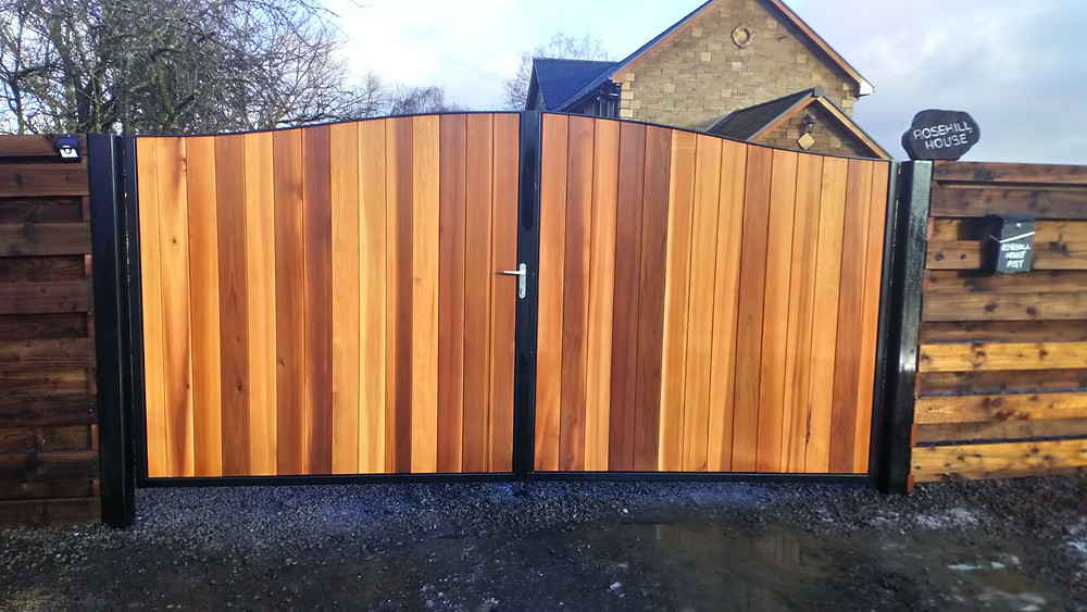 metal and timber automatic gates scotland