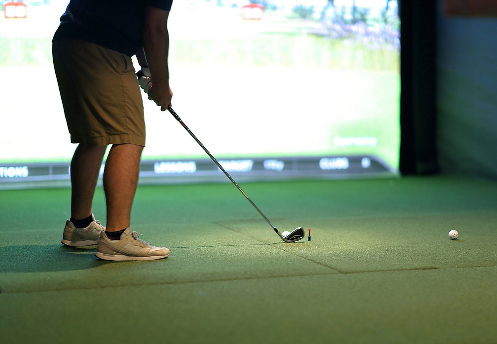 golf simulator lessons