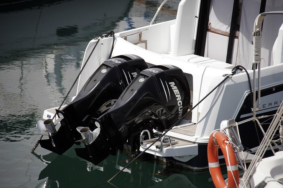 moteurs bateau