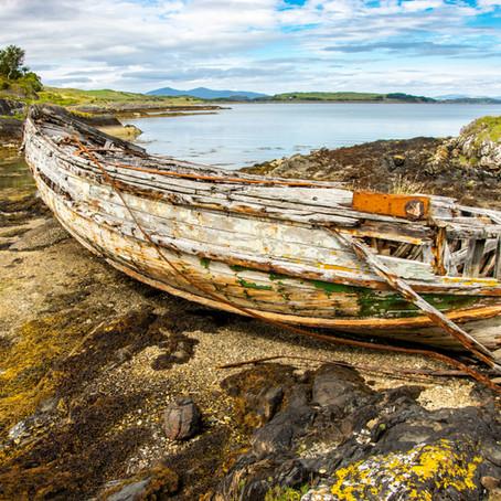 Comment récupérer un bateau à l'abandon en toute légalité ?