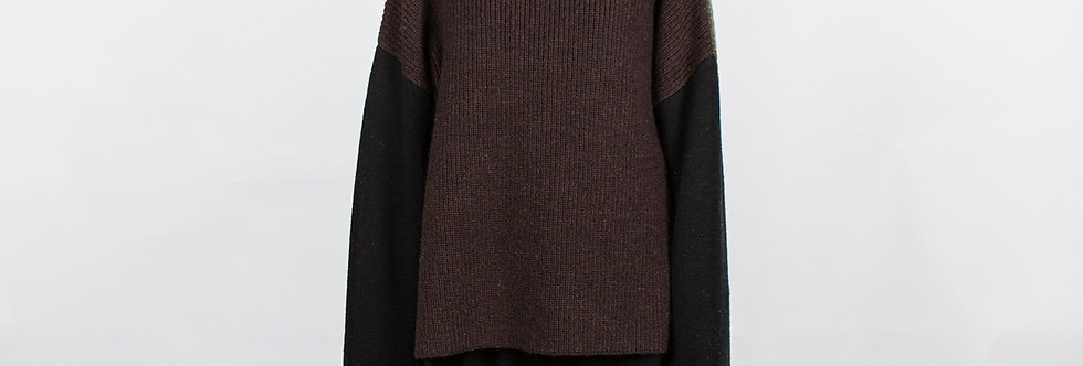 W205 | Color Block Turtleneck Sweater