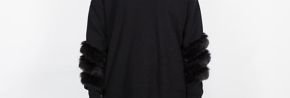 W87-Opt.1 | Fur on Sleeve Black Pullover with Hat
