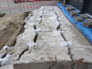 abreissen-und-entfernen-einer-betontrepp