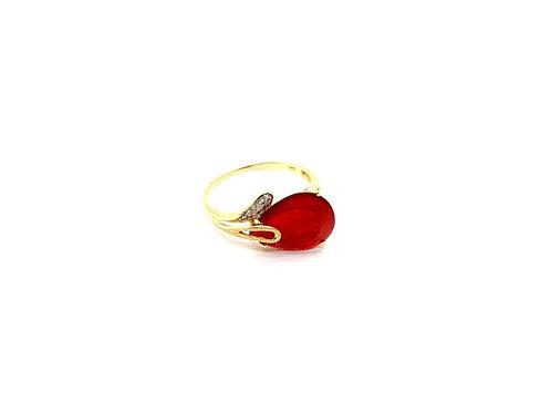 Anel Gota de Jade Vermelha  com Brilhantes em Ouro Amarelo com Coleção Fattini