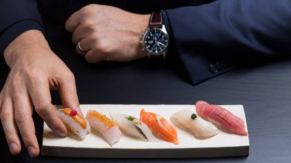 Eat Nigiri Sushi With Your Fingers and Hands