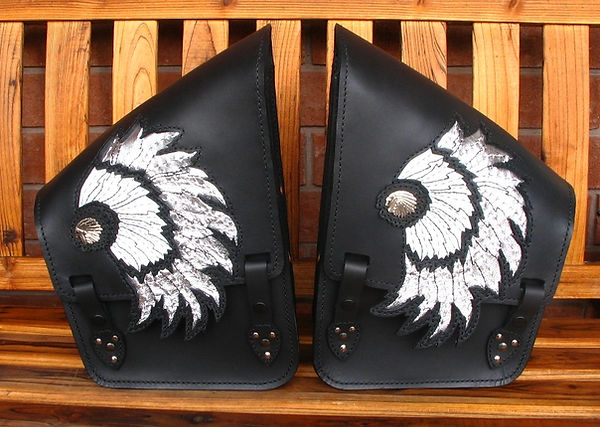 Custom saddlebags for Honda VTX Retro