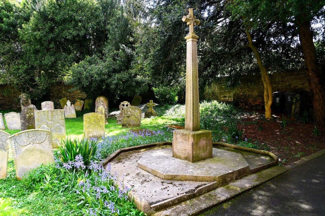Collyweston WWII Memorial.jpg