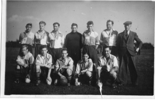 Colly Football Team 1940's.jpg
