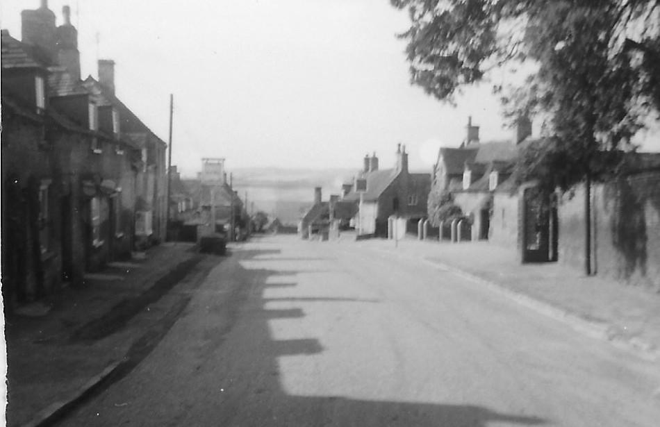 Colly High St 1960's.jpg