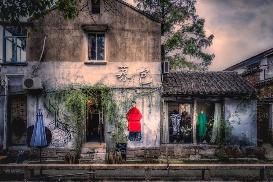 The dress shop-DSC_6609