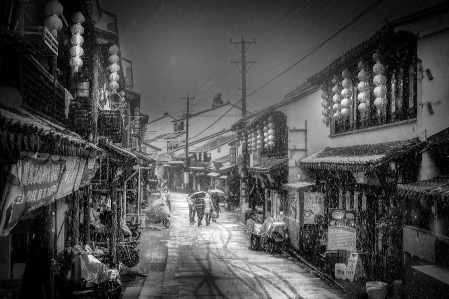 First snow in Suzhou-bw-MAR_0823