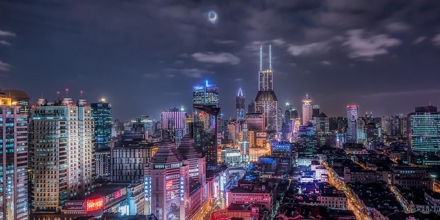 Quarter moon over Shanghai-DSC_1681
