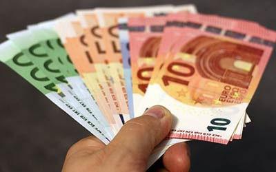 Davčna-blagajna-Fiskalphone-denar.jpg