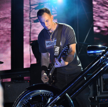 American_Wrench_Creed_Chopper_Stage_Tremonti.jpg