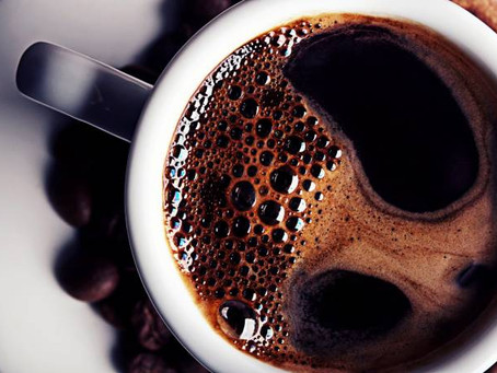 Consumir até 25 xícaras por dia não afeta o coração, define estudo