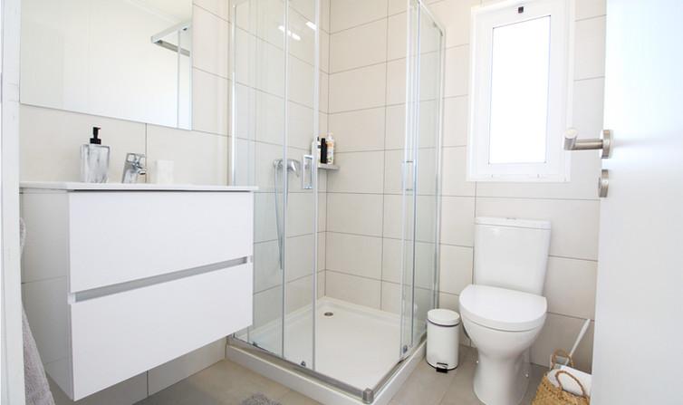 holiday-home_bathroom_algarve_petithem.j
