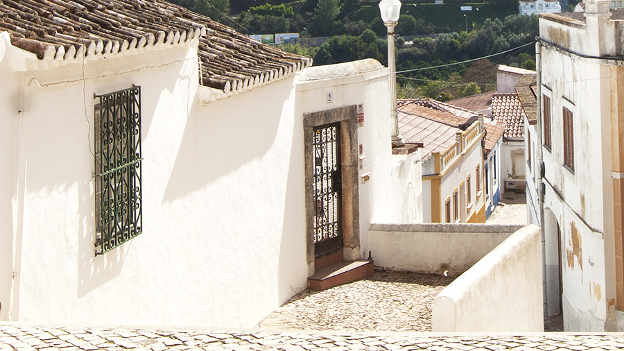 Top 5 towns in the Algarve that you need to visit - blog post by Petit-Hem