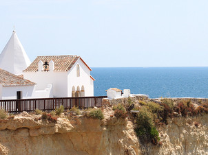 Spots you don't want to miss in Porches, Algarve