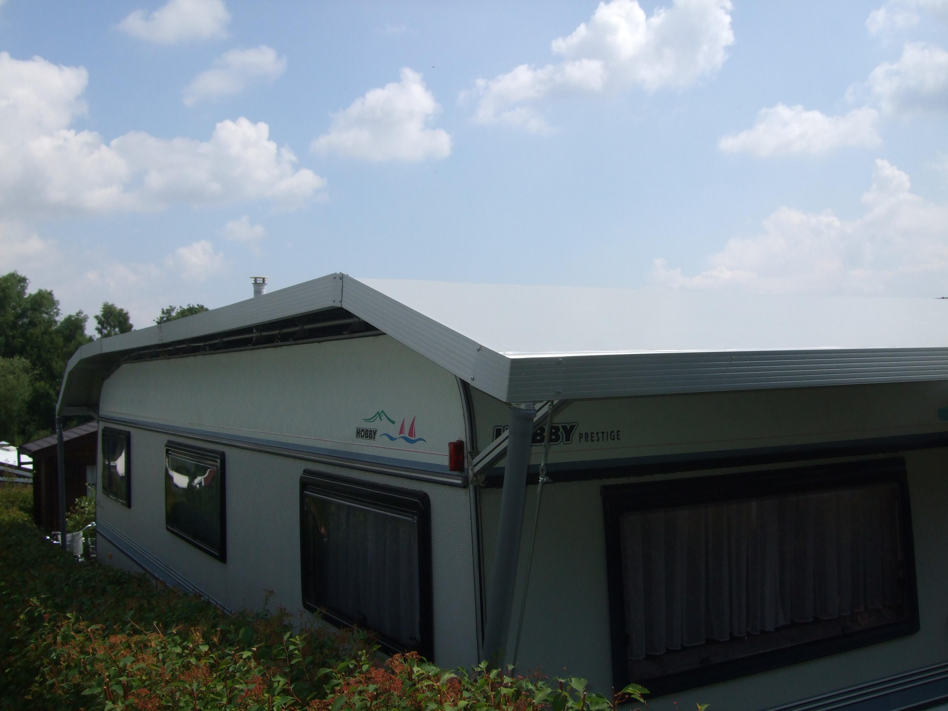 Wohnwagen Schutzdach