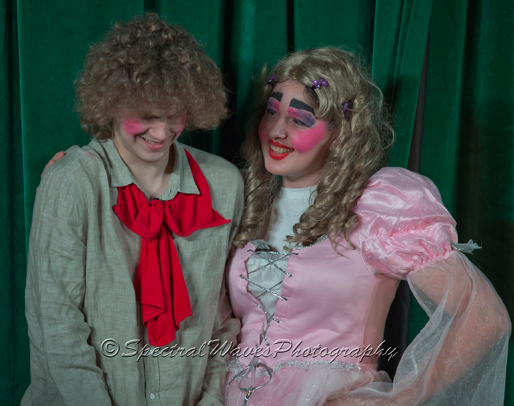 Jack and The Duchess get amorous!