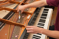 Piano-tuner.jpg
