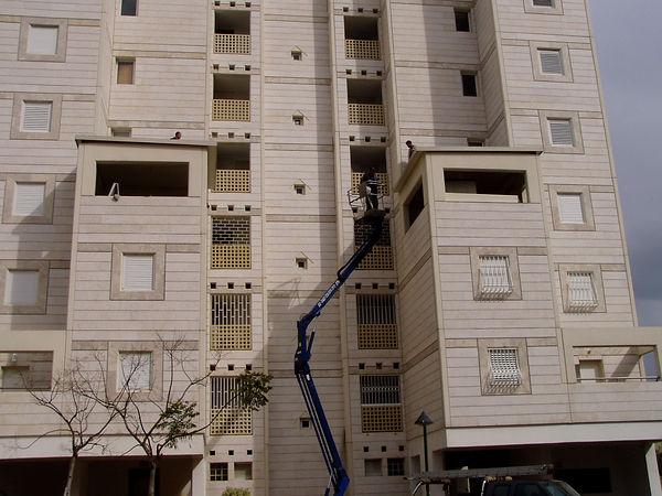 תוספת חדר למרפסת גג