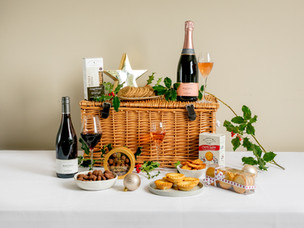 7 of the best luxury food hampers for Christmas - Harrods, Fortnum & Mason, Selfridges and more...