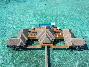 Stay at the world's largest overwater residences at Anantara Kihavah Maldives