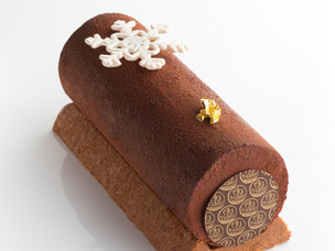 Recipe: Traditional Chocolate Yule Log from Hotel Metropole Monte-Carlo