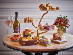 Eat, Pink and be merry! The festive Afternoon Tea from Adam Handling at The Belmond Cadogan