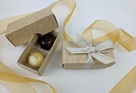 Kraft box for 2 chocolates with ribbon